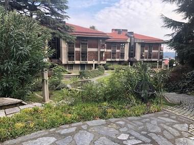 Ulus Naciye Sultan Sitesi'nde Boğaz Manzaralı Bahçe Dubleksi