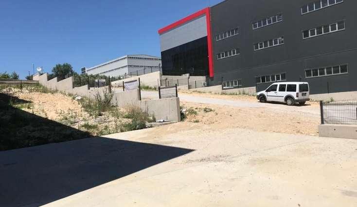 ELFİ den KAYAPA DA TEK KAT 1.550 m2 KİRALIK FABRİKA