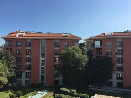 Roof Duplex for Rent in Sarı Konaklar Compound