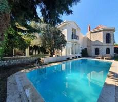 İzmir Çeşme Alaçatı Müstakil Havuzlu Satılık Lüks Özel Villa
