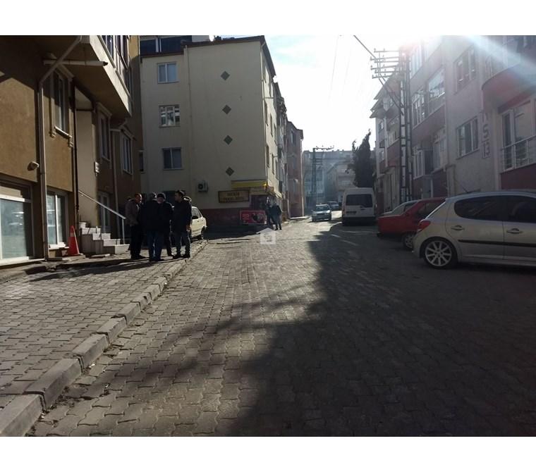 Bankadan Edirne Karabulut Cami Sokak'ta 106m2 Satılık Dükkan
