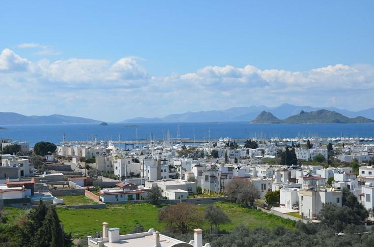 Marina Ve Adalar Manzaralı 4+2 Villa
