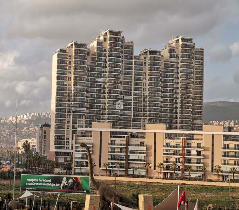 Karşıyaka Mavişehir Park Yaşam Eşyalı Kiralık 2+1 Daire