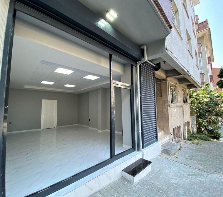 Gaziosmanpaşa Yenidoğan'da 55m2 Mutfaklı Wcli Ofise Uygun Dükkan