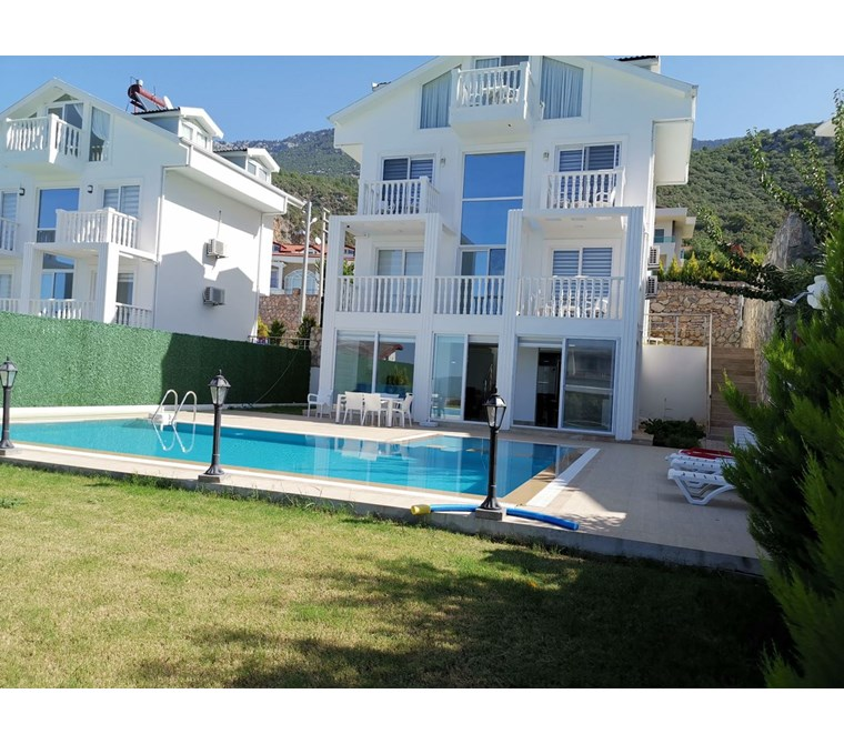 For sale 4 bedroom Delux villa located Oludeniz ovacık area