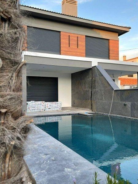 İzmir Çeşme Alaçatı Havuzlu Müstakil Modern Satılık Villa