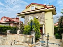 Villa for sale in Fethiye Ölüdeniz Ovacik 4 + 1 180m² with pool and private garden