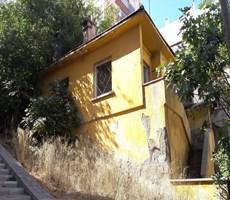 Üçkuyular Esentepe'de Bahçeli Kiralık Müstakil Ev 750 TL