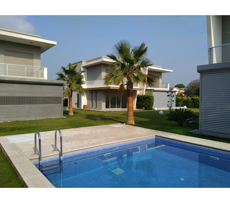 İzmir Çeşme Şifne Satılık Villa