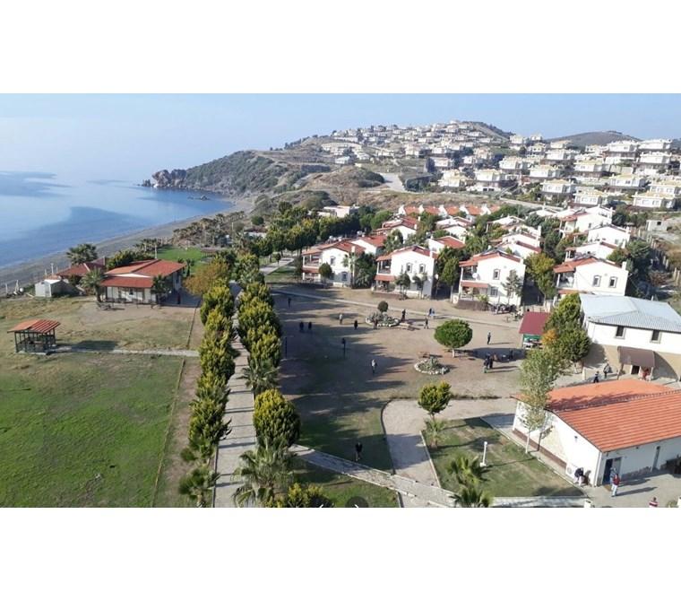Seferihisar Doğanbey'de Denize Sıfır Turizm imarlı 16.500m2 Arsa
