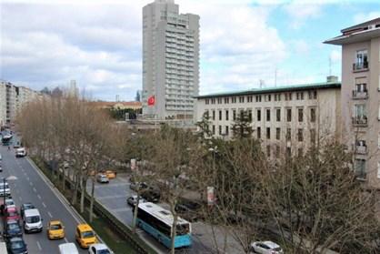 Cumhuriyet Caddesi Hilton Otel Karşısında Kiralık Ofis
