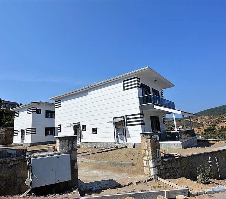 yenifoça'da kapanmaz deniz manzaralı sıfır dublex villa