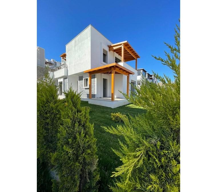 Turgutreis Fener de Şık tasarımıyla Müstakil Bahçeli Daire ...