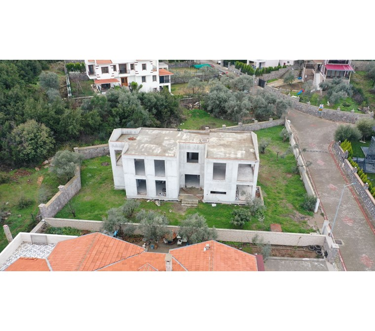 Kemalpaşa Çınarköy Konakların'da Satılık Villa