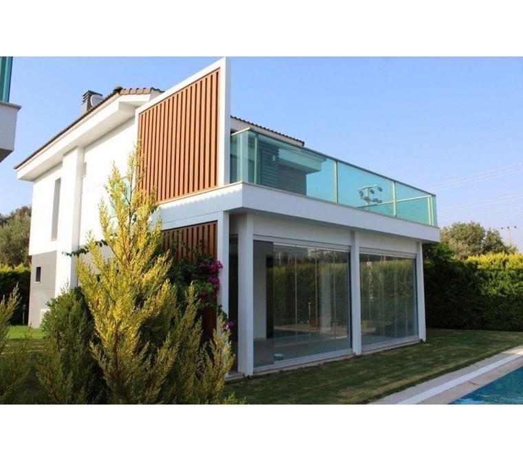 İzmir Çeşme Alaçatı Butik Sitede Havuzlu Satılık Müstakil Modern