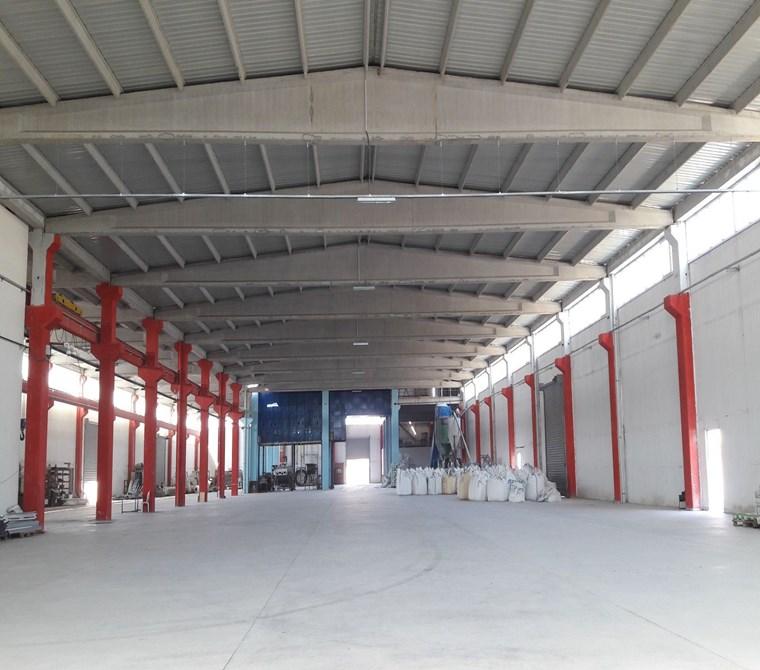 Akhisar Organize Sanayi Bölgesinde 7000 m2 Kiralık Fabrika