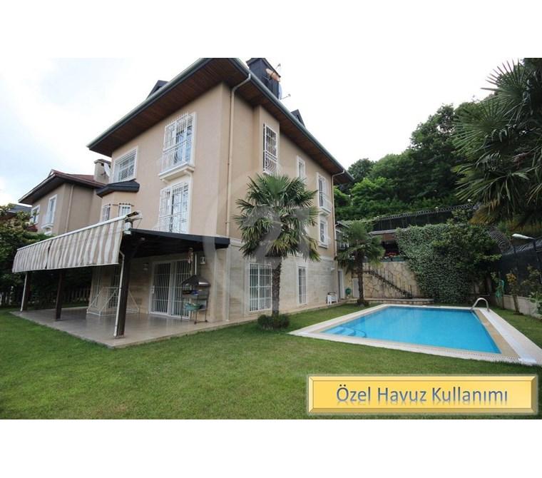 Century21 Palmy den Beykoz Çavuşbaşında Özel Havuzlu Villa