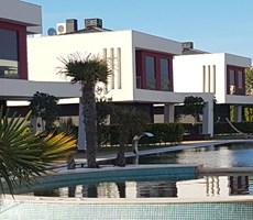 Çeşme Dalyan Denize Yakın Nezih Site İçinde Satılık Lüks Villa