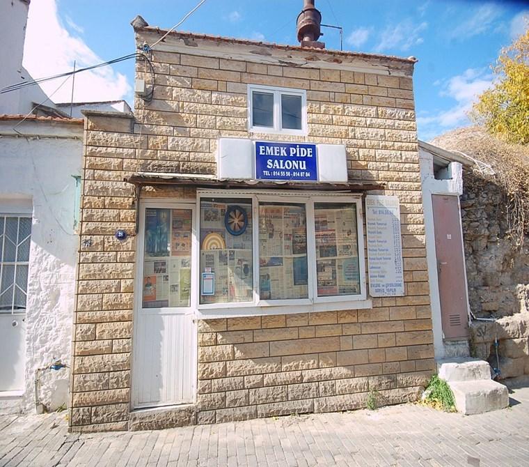 yenifoça tarihi çarşıda satılık dükkan