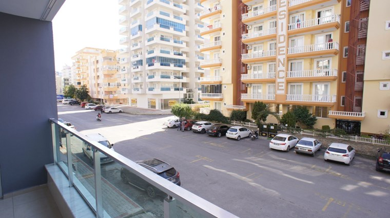 Alanya Mahmutlar'da Havuzlu Uygun Fiyat Satılık 1+1 Daire