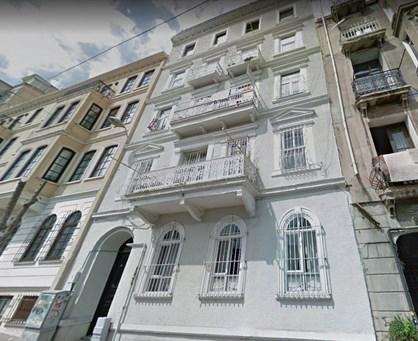 Galata'da Tarihi Binada Boğaz Manzaralı Satılık Daire