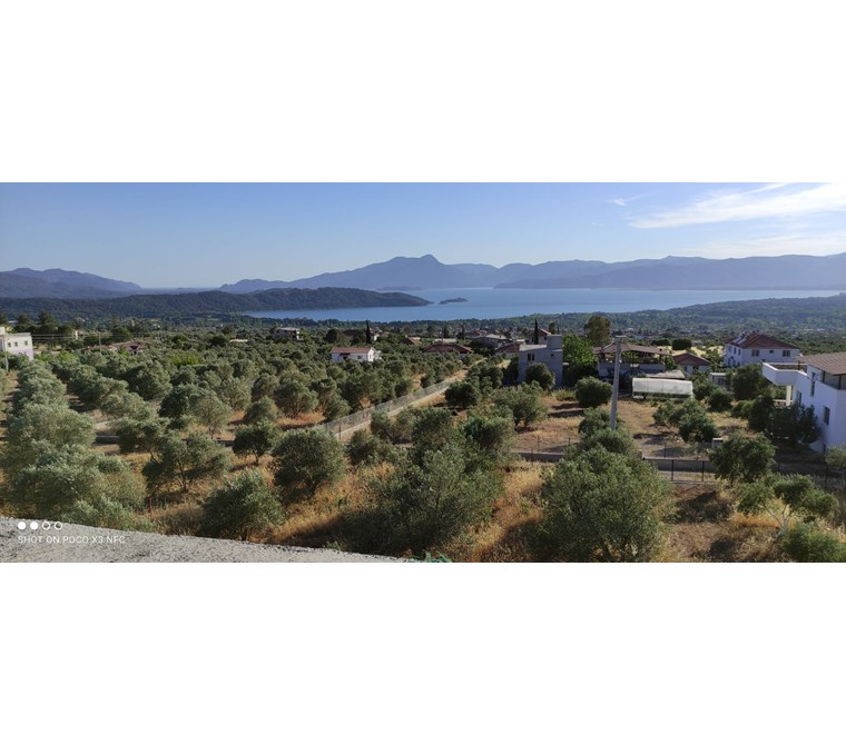 Muğla Köyceğizde Muıhteşem konumda göl manzaralı 865 m2 tarla