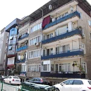 """İZMİT'in MERKEZİNDE SATILIK DAİRE"""