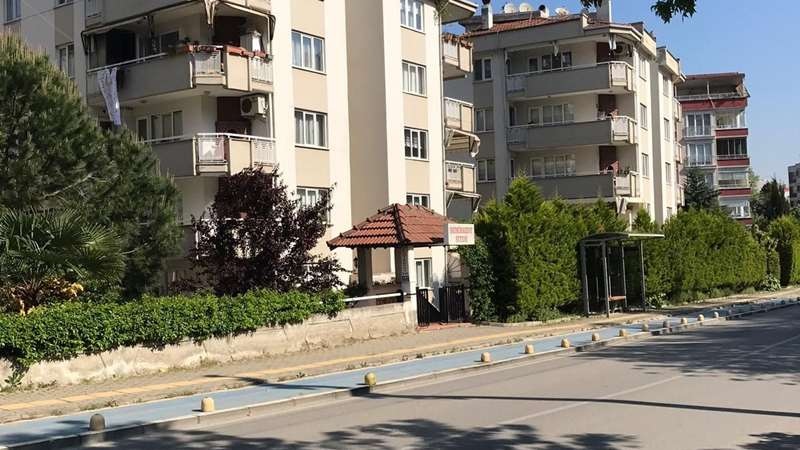 CUMHURİYET MAHALLESİ FSM ALTI ARA KAT 3+1 DAİRE