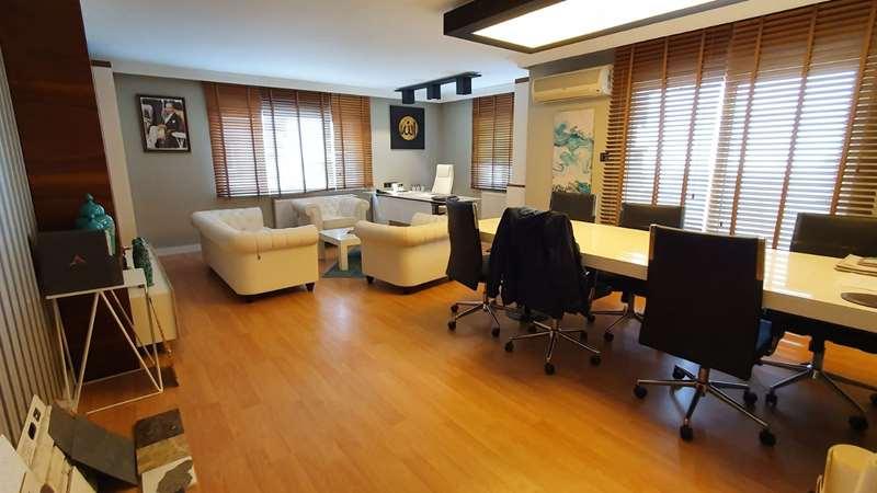 Beşevler kavşağında Çetinkaya Sitesinde 3+1 net 150 m2 daire