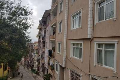 İZMİT MERKEZ 'DE ARA KAT 2+1 95 m² SATILIK DAİRE